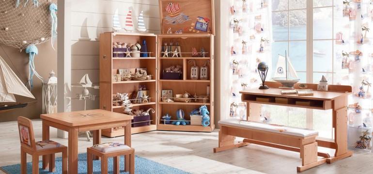 Linea di mobili in vero legno massello, stile vecchia marina, disegnata a misura di bambino