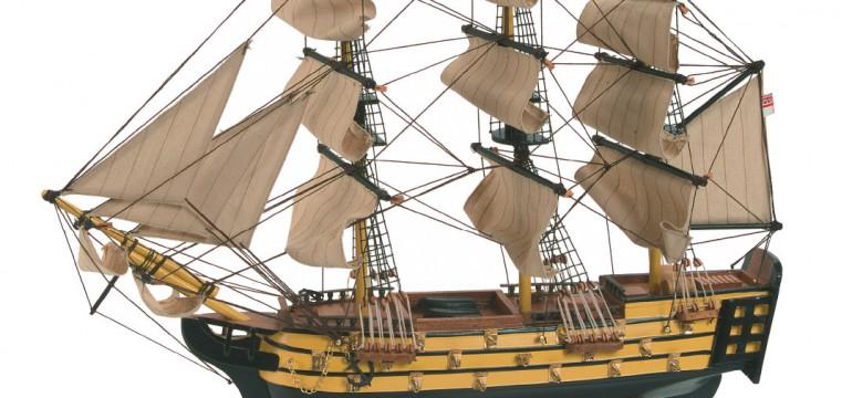 modellino del galeone della marina inglese HMS Victory