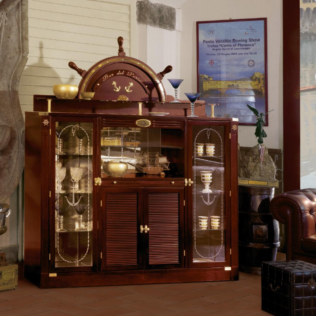 Bar del Porto Cabinet
