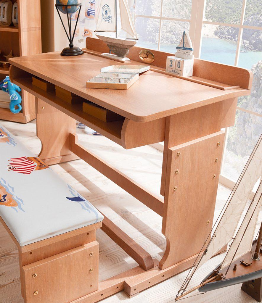 montessori kids bedroom table