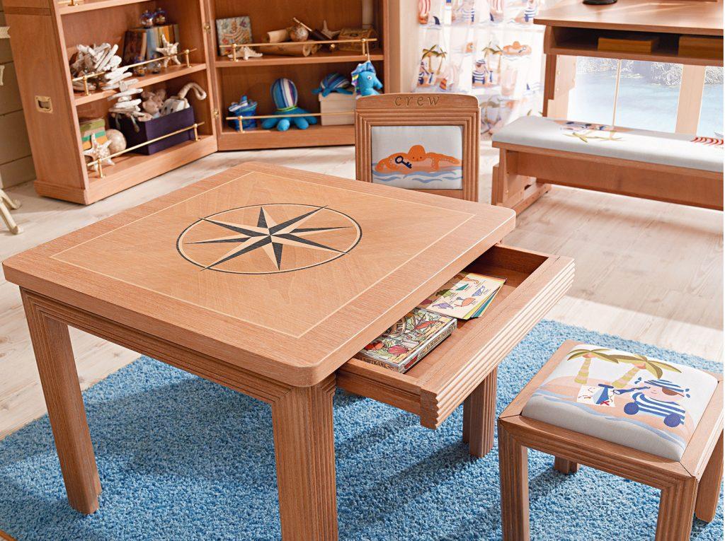 cameretta montessori tavolino