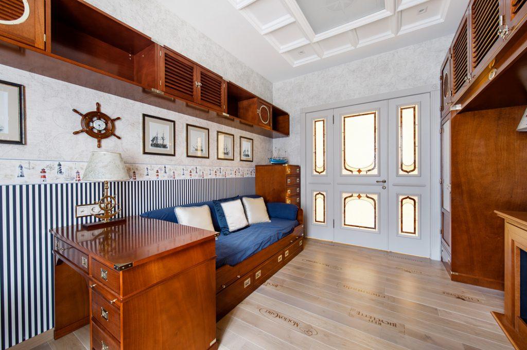 Modular bridge cabinet for guest room